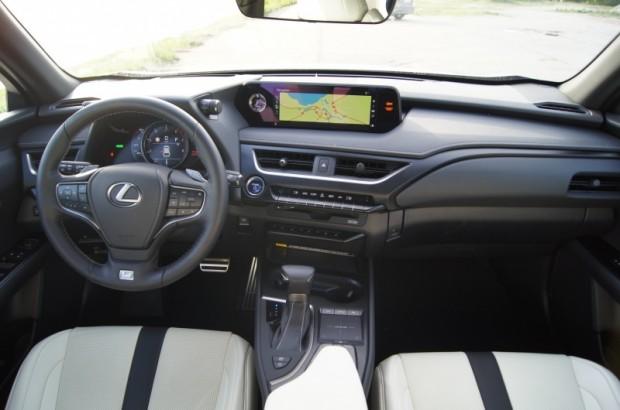 11-Lexus UX_24.05.2019