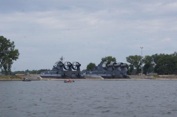 Ja paveicas, Baltijskā var redzēt Krievijas armijas flotes kuģus. Tiesa, lielākoties tie kursē Baltijas jūrā nevis stāv ostā