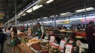 Savdabīga aura piemīt Kaļiņingradas centrālajam tirgum. Kaut kas no sociālisma laiku noskaņas arī tur ir