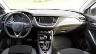 """Klasiski un pazīstami - interjers kā pieklājas """"Opel""""saimes pārstāvim"""