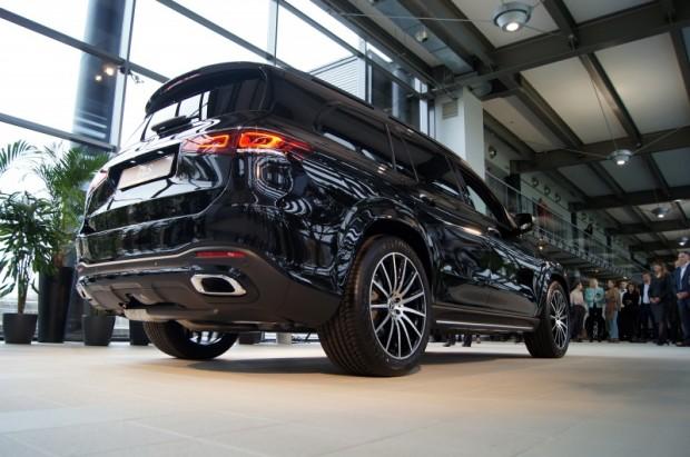 36-Mercedes-Benz GLS prezent
