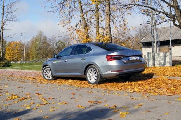 46-Skoda Superb FL (2)