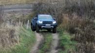 """Pierīgā, sporta kompleksā 333 ceturtdien, 14.novembrī """"Ford"""" pārstāvji autonozares žurnālistiem demonstrēja divus ražotāja speciālās nodaļas Ford Performance darinājumus – labi..."""