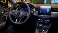 """Ne viens vien lielāks auto """"Captur"""" var apskaust pat par mazo lētākajām modifikācijām  pieejamo multimēdiju sistēmas ekrānu."""