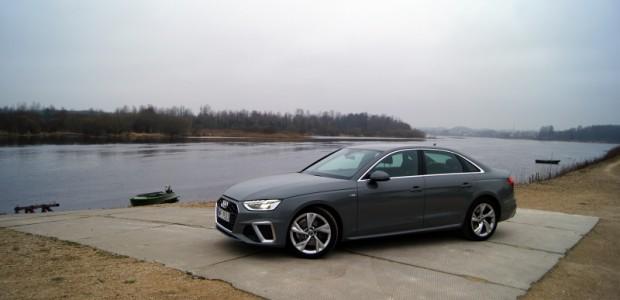 """Aizvadītā gada nogalē mūs sasniedza vairāki """"Audi"""" jaunumi, tostarp pusmūža modernizāciju piedzīvojušais """"Audi A4"""". Bez pāršūtā ancuka, uzkrītošākais, ko var..."""