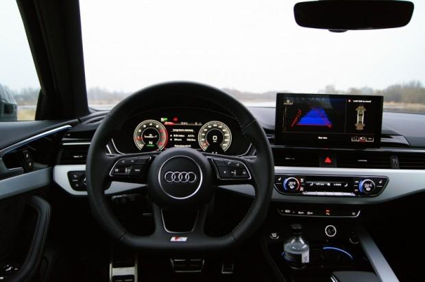 """Bāzītei joprojām būs zināmās """"Audi"""" analogās ciparnīcas,bet par piemaksu jeb bagātākajās komplektācijās būs šāds virtuālais 12,3 collu televizors ar plašu informācijas variēšanu"""