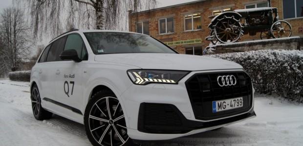 1-Audi Q7 2020