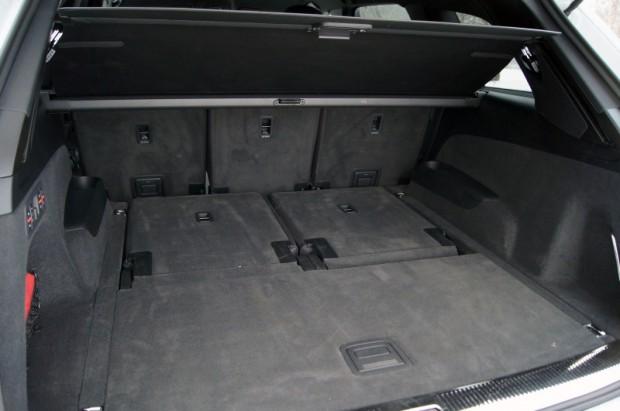 Ja neizmanto divas papildu sēdvietas, bagāžas nodalījums ir varens