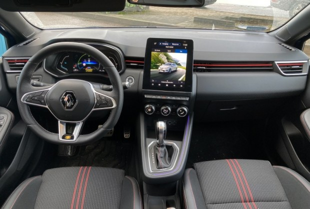 22-Renault Clio E-TECH Hybrid