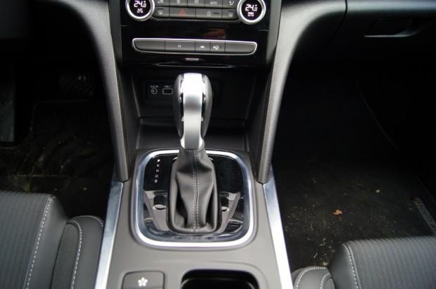 6-Renault Megane E-TECH