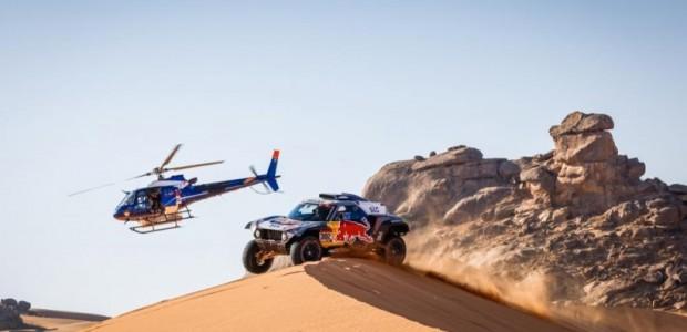"""Spītējot Covid-19 pandēmijai, jaunā gada pirmajās dienās ir sākušās leģendārās bezceļu autosacīkstes """"Dakar Rally 2021"""", kas iepriekš pēc 11 Dienvidamerikas..."""