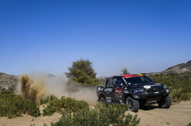 Benedikts Vanags/Filipe Palmeiro (Toyota Hilux)